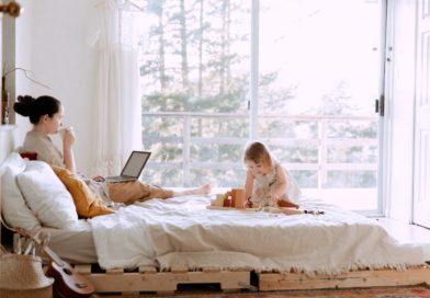 Mi a közös a szülői posztolásban és a dohányzásban?